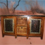 Cabinet Buffet: Low Buffet with 2 doors and 2 baskets with plate