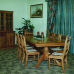 Dining Room: Oblongated Chicken-toe Diningroom Suite